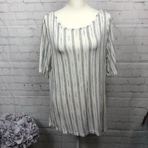 APT 9 top, size PL, color white and navy blue
